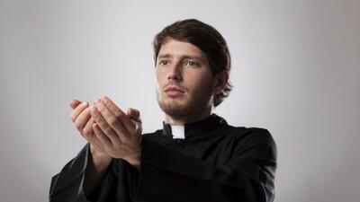 Los sacerdotes que se casan ponen sobre la mesa el tema de si la Iglesia...