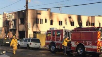 Investigadores buscan las causas de un incendió en un motel que dejó un...