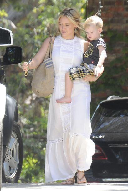 ¡Hilary Duff se inclina más por el calor y los frescos! Nos enseñó una v...
