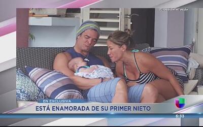 Culeca Melina León con su primer nieto