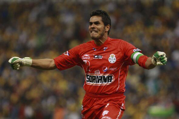 Oswaldo Sánchez es uno de los mejores arqueros que han existido en Méxic...