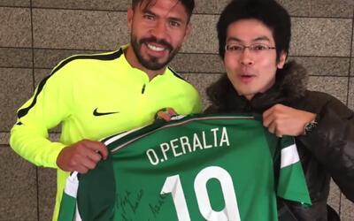 América compartió en Twitter el emotivo encuentro de un fanático japonés...