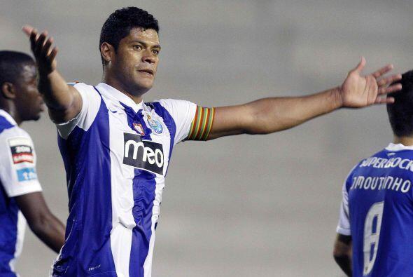 Por último, aparece un goleador brasileño, que todos conoc...