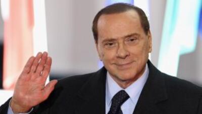 El polémico ex Primer Ministro de Italia, Silvio Berlusconi, enfrenta se...