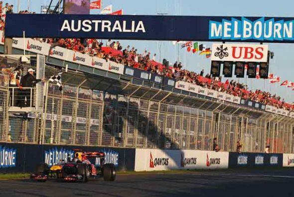 Vettel cruzó la meta con una cómoda ventaja de 22.297 segu...