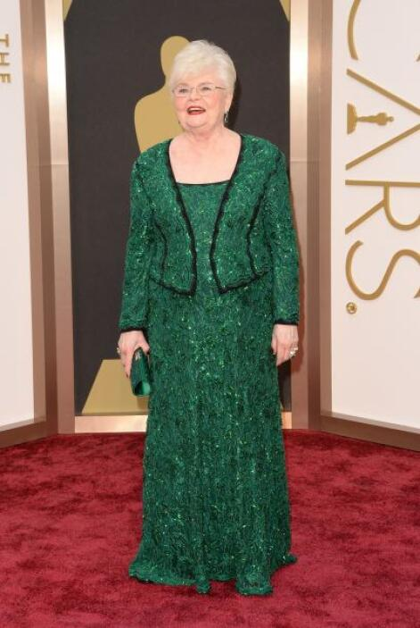 ¿Qué les pareció el vestido de Tadashi Shoji de June Squibb?