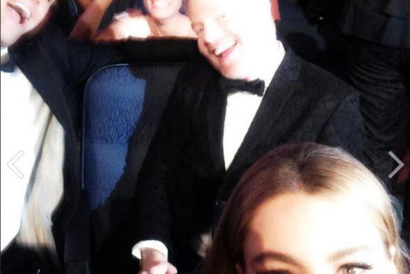 Desde su asiento, con sus compañeros atrás.Mira aquí lo último en chismes.
