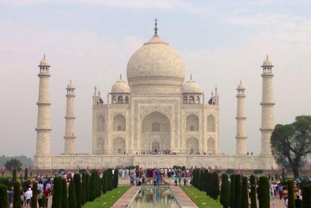 La tumba del Taj Mahal fue mandada a construír por el emperador musulmán...