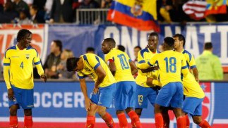Ecuador goleó a El Salvador.