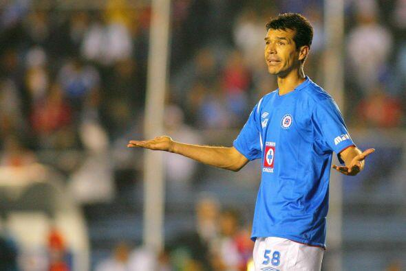 Jared Borgetti se suma a los fracasos en la delantera de Cruz Azul, el g...