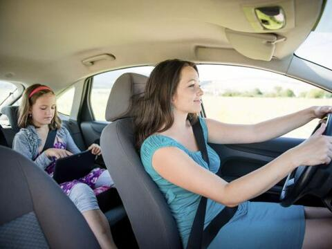 Los niños pasan mucho tiempo en el carro: viajes al médico...