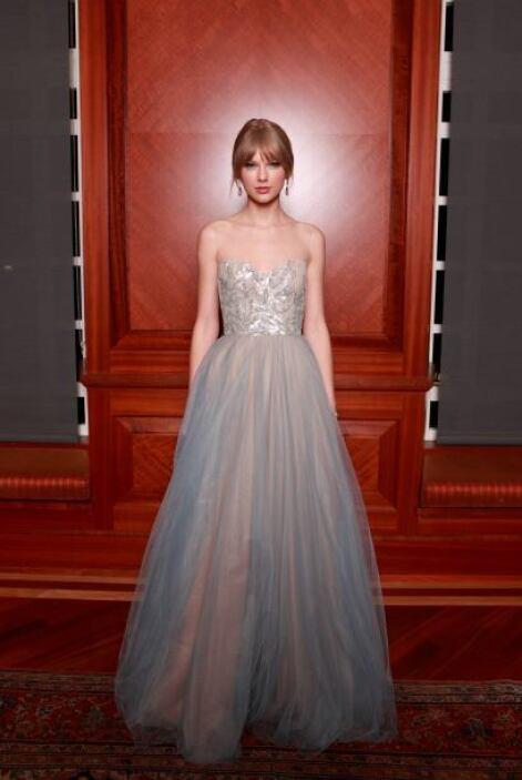Con este precioso vestido logró un 'look' princesa auténtico de ella sin...