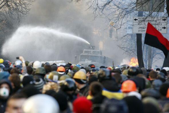 La marcha ocurrió justo después de que entrara en vigor la...