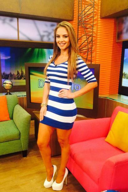 """""""La fotico de mi look de hoy en @DespiertaAmeric"""", mostró Ximena Córdoba..."""