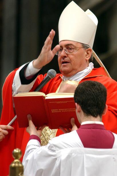 Doctor de Derecho canónico por la Pontificia Universidad Gregoriana de R...