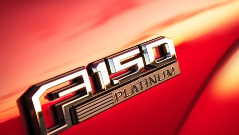 La F-150 contiene tecnología y recursos de asistencia para el conductor...