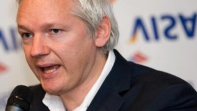 "Julian Assange dice sentir ""lástima"" por Hillary Clinton a la..."