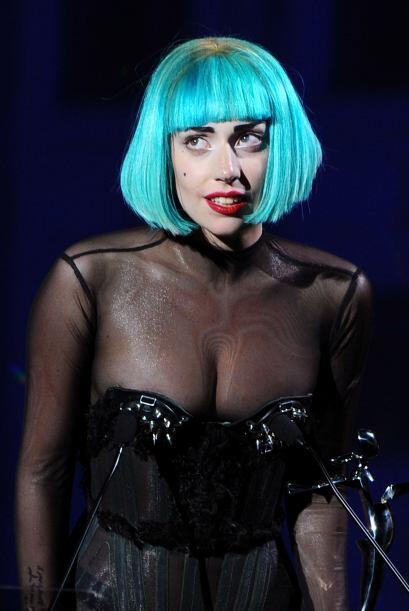 Amanda Bynes se unió a la moda del cabello azul, la cual varias f...
