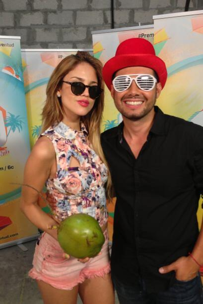 Eiza González llegó a los ensayos de Premios Juventud luciendo su look p...