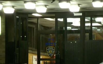 'Nueva York en un Minuto': arrestan y despiden a policía al parecer por...