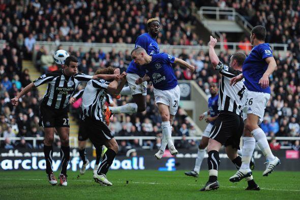 A pesar de empezar ganando con gol de Leon Best, Newcastle se quedó sin...