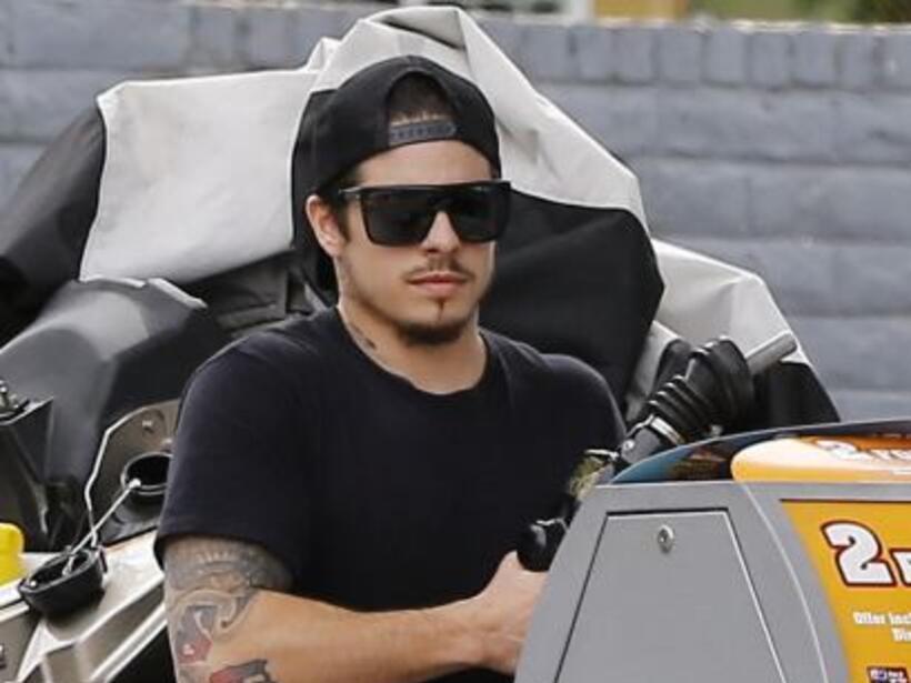Cargó gasolina, revisó las motos acuáticas.