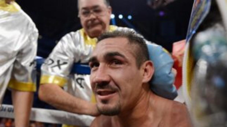 'Zorrita' Soto se quiere levanter después de la derrota por nocaut contr...