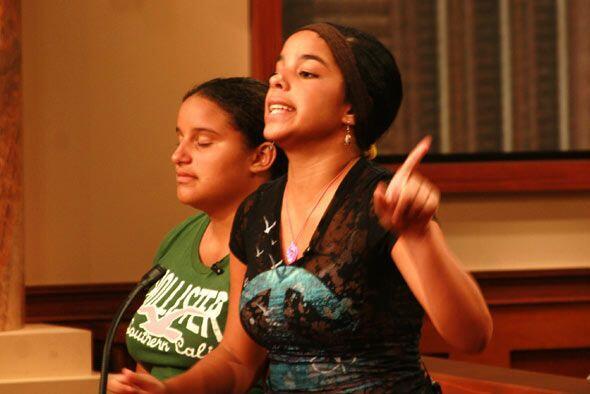 Yilian asegura que ella y su hermana sufrían de maltrato cuando no cumpl...