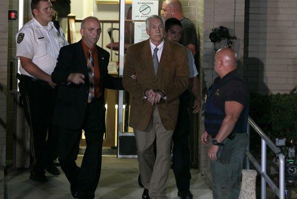 Fue hallado culpable de 45 de los 48 cargos que enfrentaba en su contra,...