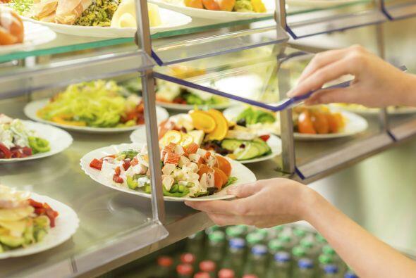 ¡A la barra de ensaladas! Las cafeterías deben cumplir con...
