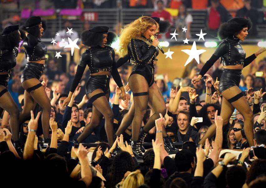 Beyoncé performing at the Pepsi Super Bowl 50 Halftime Show