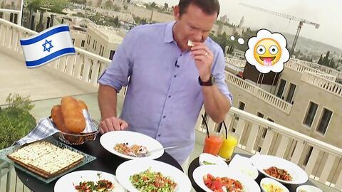 Alan disfrutó de un típico desayuno israelí y nos mostró la comida para...