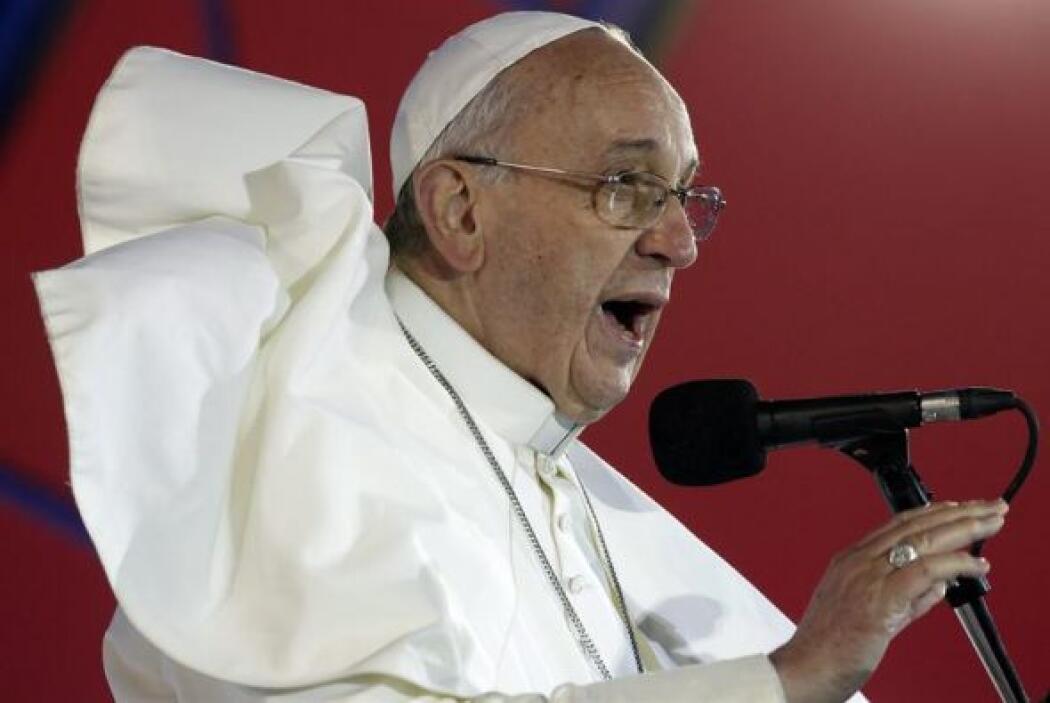 15. El papa Francisco fue protagonista de muchas historias, en Julio, mi...