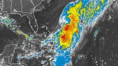 El huracán Cristóbal avanza por el mar Caribe en dirección al norte.