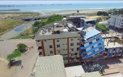 Drones captan imágenes de las consecuencias del terremoto en Ecuador