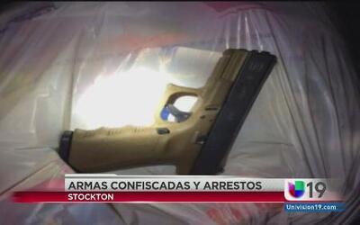 Confiscan armas en Stockton