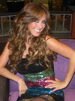 """Tras su debut como solista, la ex RBD Anahí llega a """"Don Fra..."""