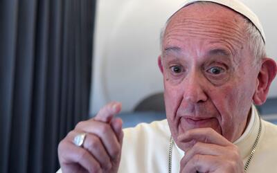 El Papa reconoce que el Vaticano tiene acumulados 2,000 casos de abusos...