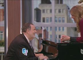 ¡Qué clase! Así entró Lili Estefan al estudio, ¡con piano y todo!