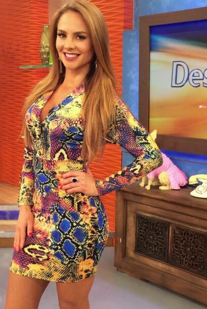 """""""La fotico de mi look de hoy en @DespiertaAmeric"""", comparti&oa..."""