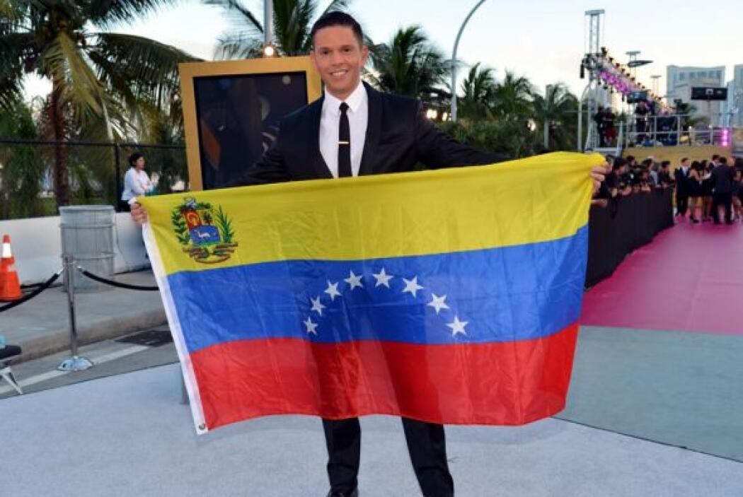 Rodner Figueroa mostró apoyo por Venezuela.