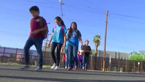 La rutina de cientos de estudiantes mexicanos: Cruzar la frontera para a...