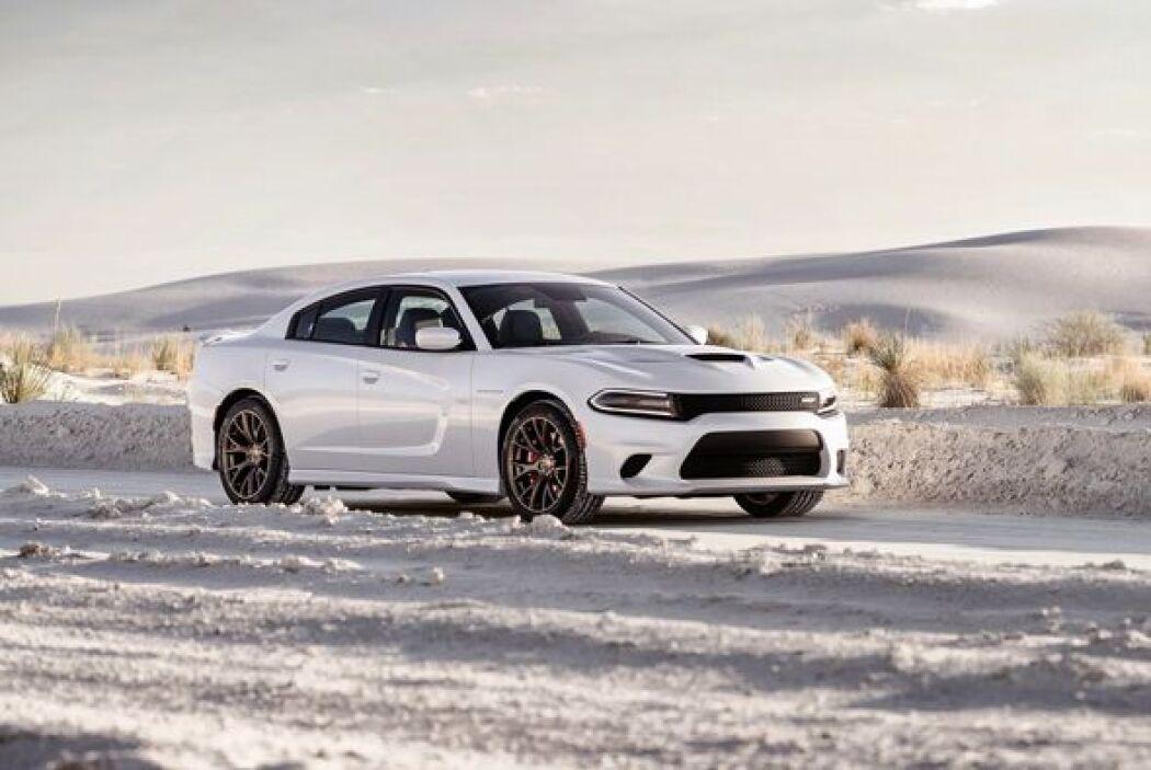 El totalmente nuevo Dodge Charger SRT Hellcat 2015, es un auténtico musc...