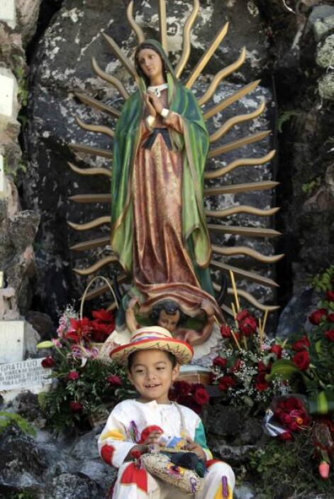 Nuestra Señora de Guadalupe es la patrona de los mexicanos. La tradición...
