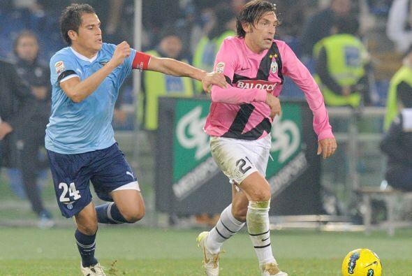 Con su gran liderazgo y toque estupendo, ayuda a la Juventus a que est&e...