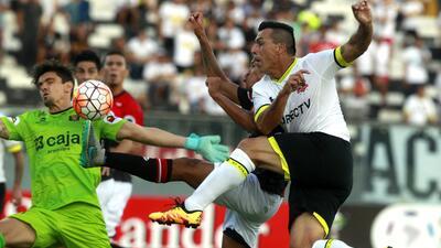 Colo Colo  derrota con lo justo a Melgar