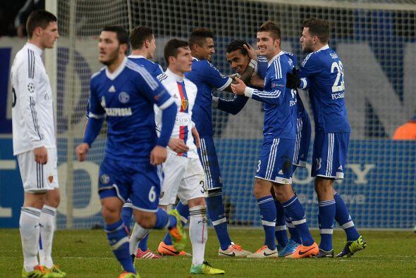 Schalke 04 se convirtió en el tercer equipo alemán que estará en la sigu...