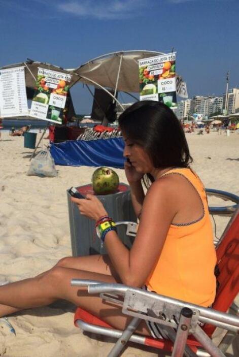 Como todas las mañanas, Maity se trasladó a su oficina en la playa, dond...