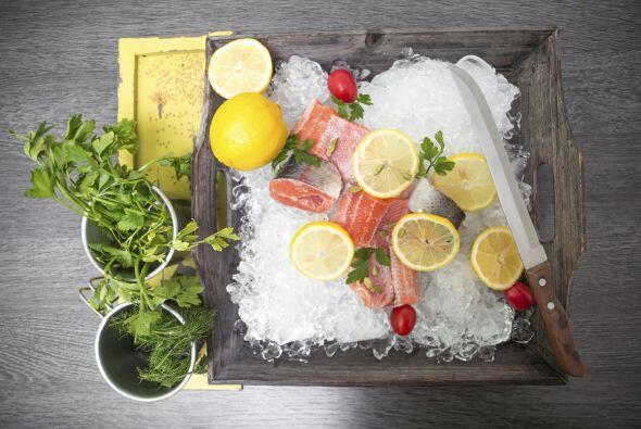 Salmón. Otro pez rico en Omega-3 es el salmón: no dudes en incorporarlo...