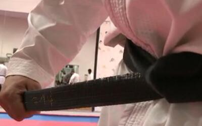 La pronta acción de dos maestros de las artes marciales hispanos...